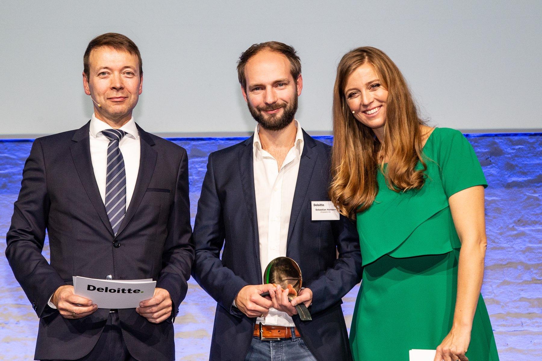 deloitte_Fast50_2018_23_vlr_Ch-Frank-Deloitte-Sebastian-Hamann-Vorstand-Shopware-AG-Sustainable-Excellence-Award-N-Eichinger